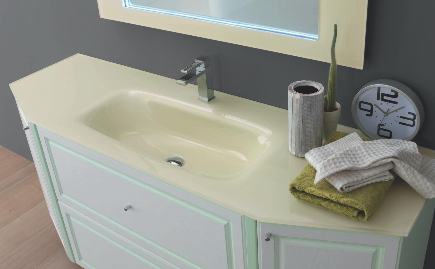 Bagno classico con anta laccata mod.02 arredamento classico tregima