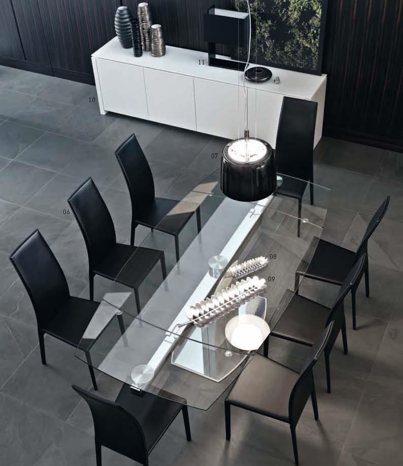 Tavolo Cristallo Moderno.Tavolo In Cristallo Sedie E Madia Arredamento Moderno Tregima