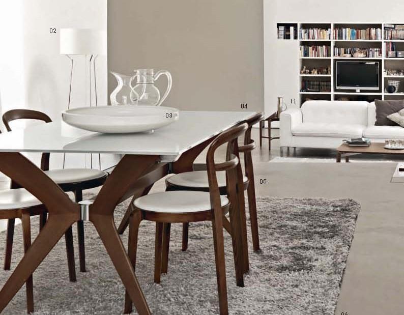 Tavolo e sedie in legno arredamento moderno tregima for Tavoli moderni calligaris
